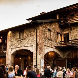 Elav porta il teatro in Cascina