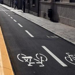 Bici in città, giro di vite in arrivo (E la pista di via Galliccioli è vuota)