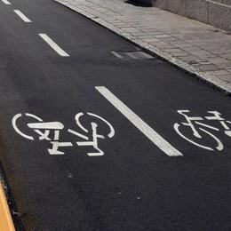 Bici in città, giro di vite in arrivo (E la pista di via Gallicciolli è vuota)