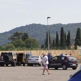 Spari e feriti: Far West a Trescore Testimoni: «Colpi a altezza uomo»
