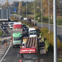 Incidente sull'Asse interurbano Traffico in tilt da Curno a Seriate