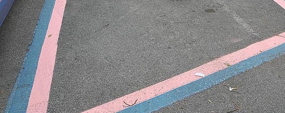 Polemica sui parcheggi rosa di Pontida Il dietrofront del Comune:no distinzioni