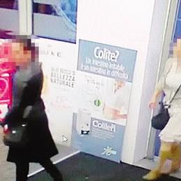 Bergamo, tre donne distraggono il titolare Portano via l'incasso: 2 mila euro