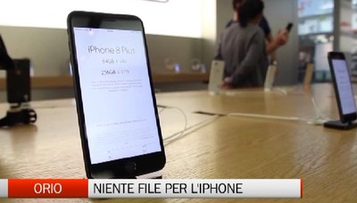 IPhone 8? No, grazie. Niente file all'Apple Store