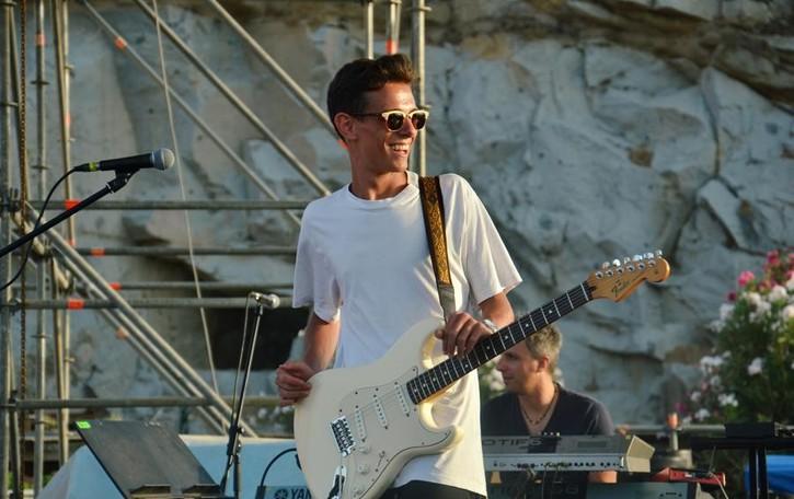 Filippo, 17 anni e anima blues Sul palco che fu di B.B King e Bowie