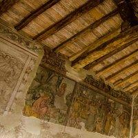 anche questi affreschi sono interessanti.(la trinità di Casnigo ha avuto un restauro negli anni'67-69)