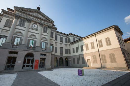 Bergamo, alla Carrara a Ferragosto