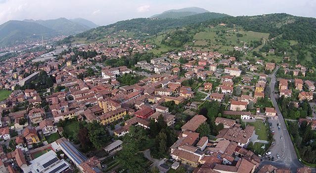 Passeggiate in collina con Villa di Serio Green