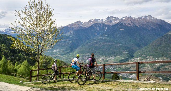 Sentiero Valtellina, una passerella sull'Armisa