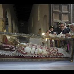 Celestino V avra' pallio Benedetto XVI