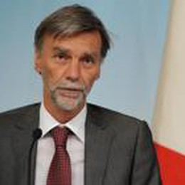 Il ministro Delrio: «Fondi ai Comuni  Ora si cambia, premio ai virtuosi»