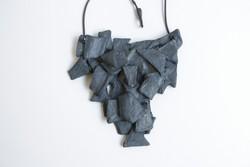 Un gioiello in mostra alla galleria Viamoronisedici, a Bergamo