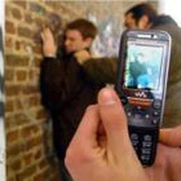 Telefono azzurro nelle piazze  contro la piaga del bullismo