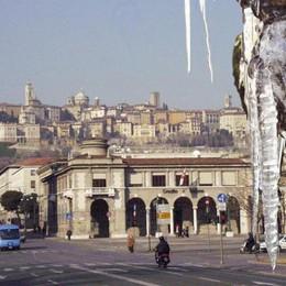 Stoccata invernale sull'Italia:  Bergamo  a - 1°, in montagna -10