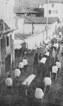 Funerali dei morti per il crollo della diga del Gleno