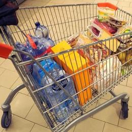 Prezzi al consumo in discesa  In aumento alimenti e bevande