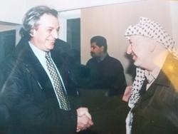 Antonio Ferrari con Yasser Arafat