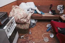 L'internio di una abitazione a Nembro dove vivevano abusivamente i rumeni arrestati