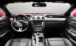 L'interno della Ford Mustang