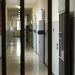 Val Calepio: abusi sulle  figlie  Un muratore finisce in carcere
