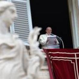 Ne «sdolcinato», né «fiabesco»:  primo Natale di Papa Francesco