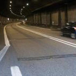 «Troppi incidenti per la velocità  Autovelox nella galleria Lovere»
