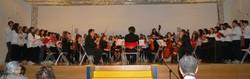 Il coro polifonico «Secco Suardo» e l'orchestra «Musica, ragazzi!»
