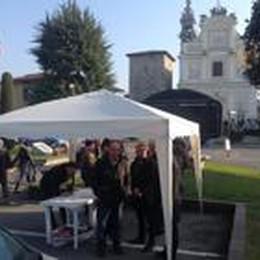 «Noi, con i carabinieri»  Un boom di firme a Bolgare
