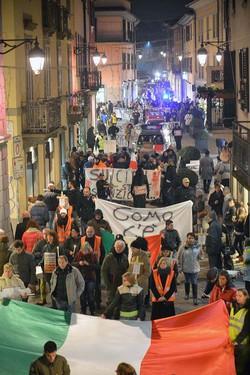 La manifestazione del Coordinamento 9 dicembre a Treviglio