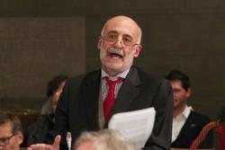 Roberto Bruni discute a distanza con Daniele Belotti