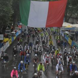 Gimondi, torna la Gran Fondo  Un 4 maggio dedicato all'ambiente