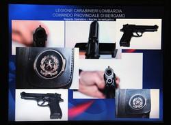 Pistola e bossoli usati per l'omicidio di Ahmed Ammerti, titolare del Coconut di Cortenuova