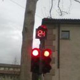 Nuovi dispositivi sui semafori:  segnano tempo di attesa dei veicoli