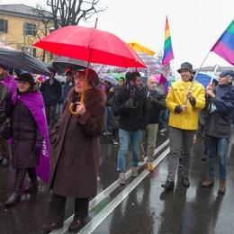 Gay e Sentinelle in centro città  Cronaca di un sabato blindato