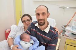 Mattia Figaroli con mamma e papà