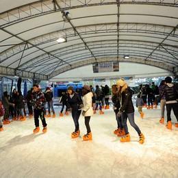 Sarnico prepara il Natale  Torna la pista di ghiaccio