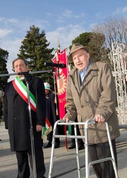 Le celebrazioni per la Giornata della Memoria nel piazzale della Stazione ferroviaria