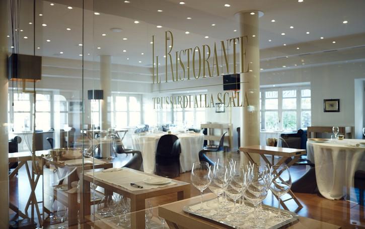 Trussardi spinge sul cibo  Panettone, vino e ora ristoranti