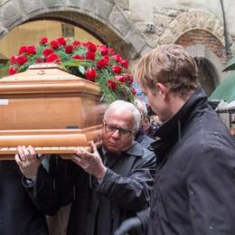 «Un uomo vicino ai suoi pazienti»  Bergamo saluta Lucio Parenzan