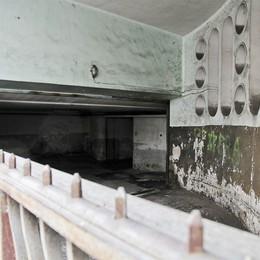 Il degrado di Casa della Libertà  75 anni tra incuria e sporcizia