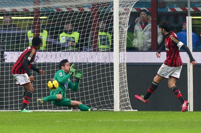 Il gol del 2-0 di Kakà