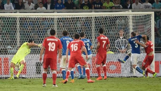 Calcio: Italia-Azerbaigian 2-1