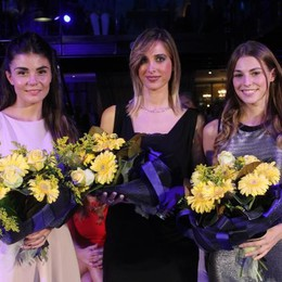 Sara, a destra, insieme alle altre due finalista