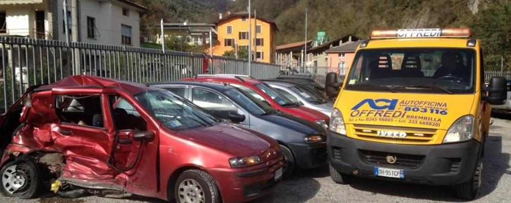 Schianto fatale in Valle Brembana per  commercialista di San Pellegrino