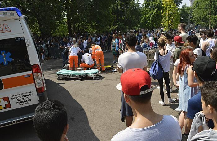 Piazzale degli Alpini subito dopo l'incidente ad Abdelmajid Kassoudi