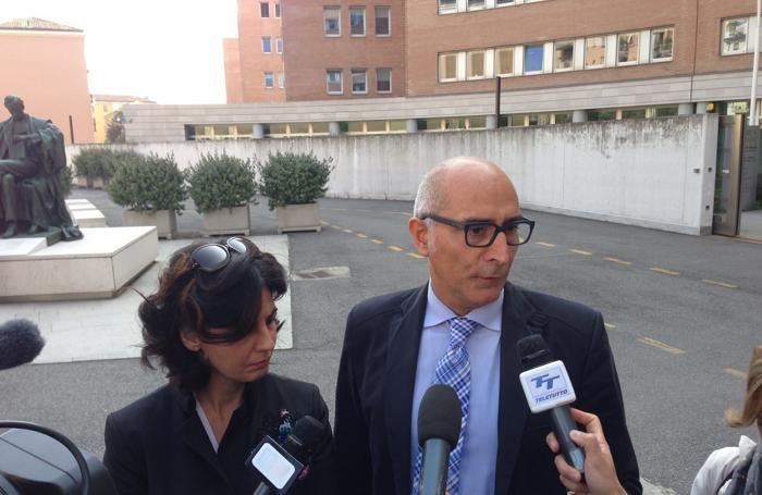 Gli avvocati di Massimo Giuseppe Bossetti , Silvia Gazzetti e Claudio Salvagni a Brescia, al deposito del ricorso