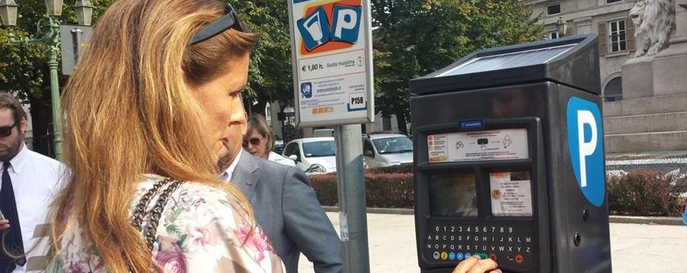Parcometri, in centro solo con moneta «Useremo il bancomat per pochi cents?»