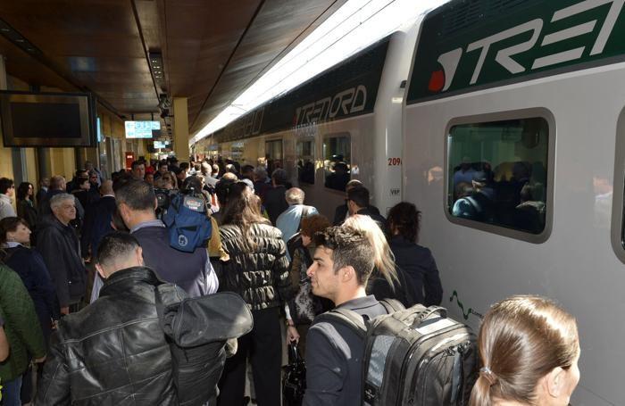 Bergamo - Pendolari alla stazione