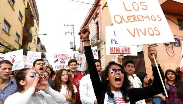 Messico: studenti, lascia il governatore