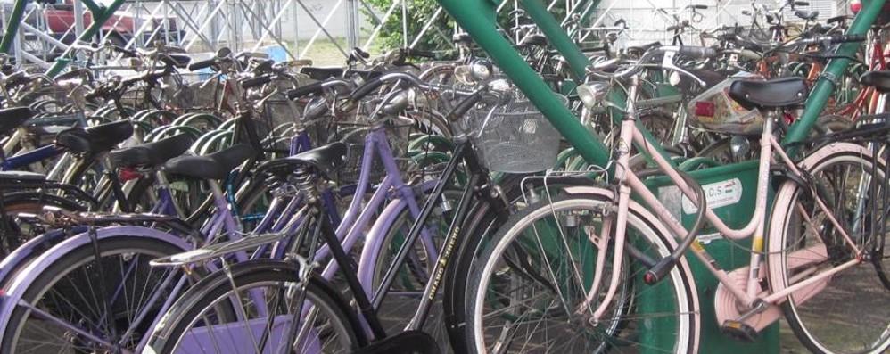 Studente scoperto a rubare bici E nello zaino un elenco sospetto